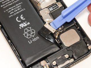 Mungkin sebagian pengguna ponsel saat ini dibuat bingung dengan spesifikasi baterai pada ponselnya. Ada jenis Li-ion ( lithium ion ) dan juga ada jenis yang saat ini sudah ngetrend yaitu Li-po ( Lithium Polymer ). Nah daripada bingung dengan pengertian kedua jenis baterai tersebut silahkan ikuti ulasan bab Baterai ponsel di bawah ini. Sebelumnya, sudahkan