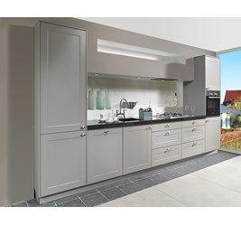 Complete keuken type Frame bestaande uit: brede ladenkasten, stenen werkblad, luxe stenen onderbouw-spoelbak, nostalgische kraan, gaskookplaat, oven, vaatwasser, koeler met vriesvak, afzuigunit