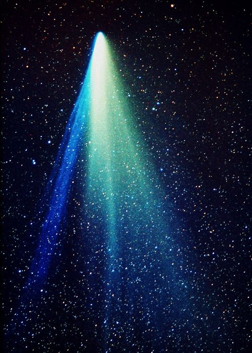 """""""COMET WEST"""" 1976 Was a spectacular comet, sometimes considered to qualify for the status of """"Great Comet""""."""