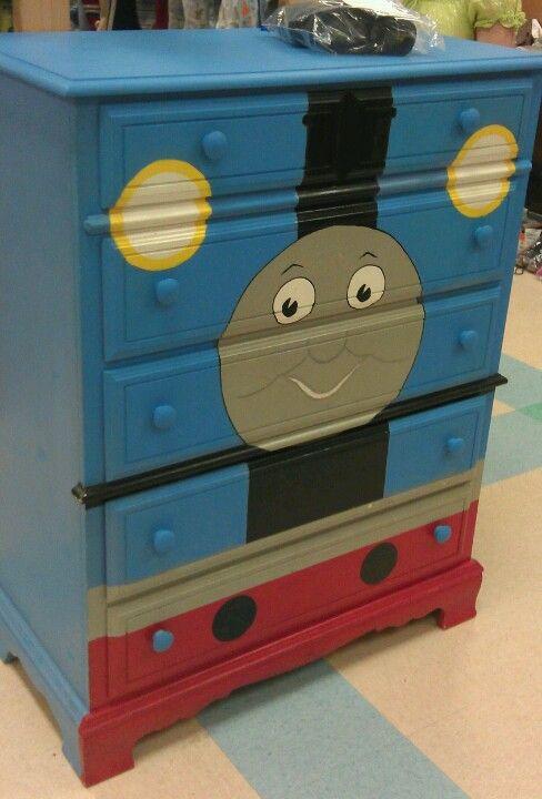 Consignment sale dresser. What a cute idea! :)