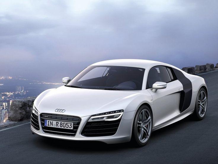 R8 #audi Una delle poche auto sportive che mi piacciono davvero tanto!❤❤