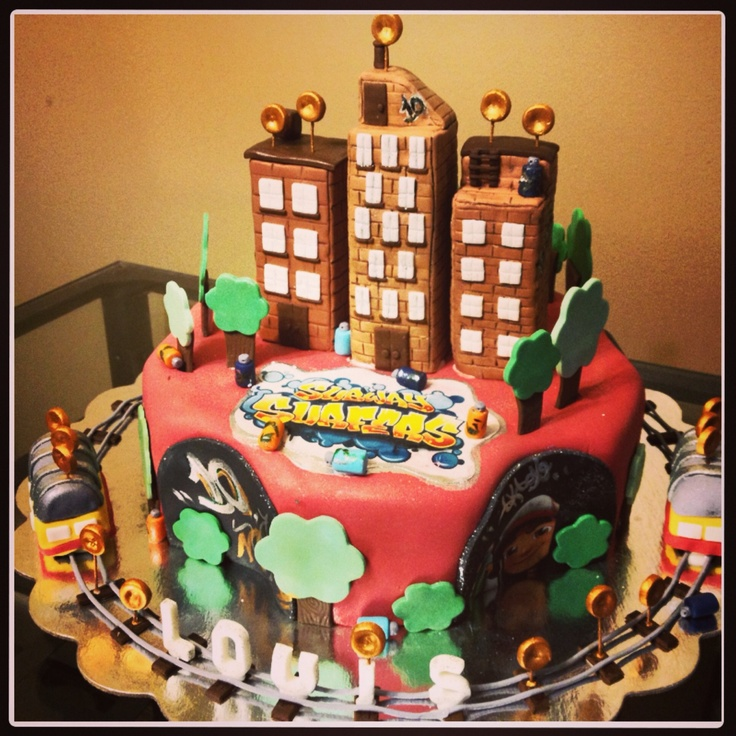 Subway Surfer Cake