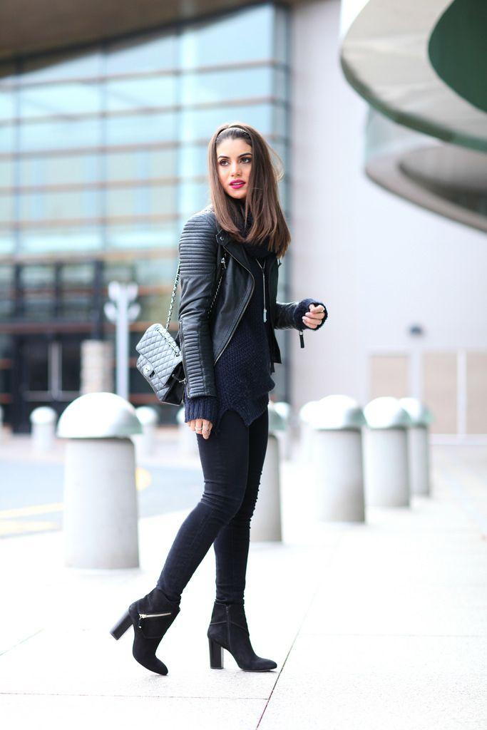 Jeans: J Brand / Suéter: Forever21 / Bota: Vicenza / Bolsa: Chanel / Jaqueta: Zara / Tiara: Ludora / Colar: Vince Camutto