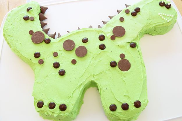 Easy Dinosaur Cake Images : 34 Best images about Dinosaur party on Pinterest ...