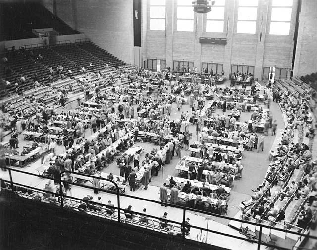 Class registration in Memorial Hall 1952.  Courtesy of Explore UK.50S Era, 1950S Ii