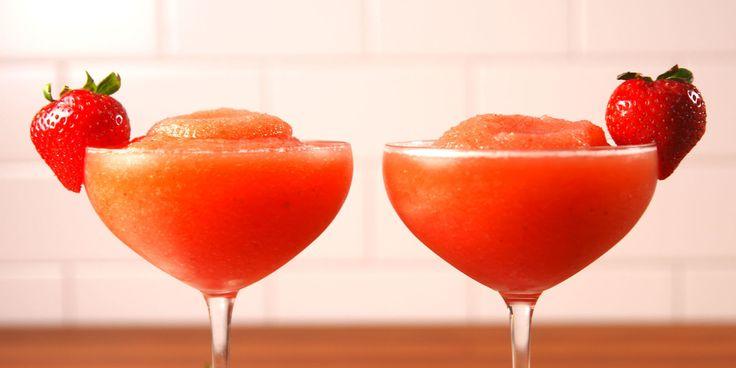 Best Strawberry Frosé Recipe - How to Make Strawberry Frosé