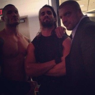 Seth Rollins Trending After His Turn, Talent Tweets About His Betrayal  - http://www.wrestlesite.com/wwe/seth-rollins-trending-turn-talent-tweets-betrayal/