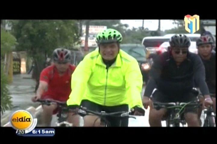 En Bicicleta Recorrió El Presidente Rafael Correa Las Calles De Punta Cana