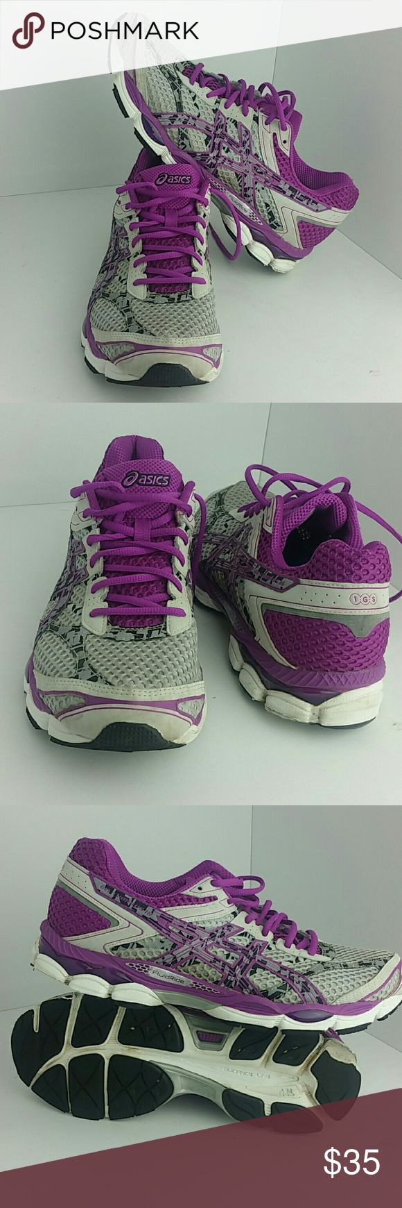 ASICS GEL-CUMULUS 16 WOMEN SHOES IN GOOD CONDITION WITH SCUFFS ON THE SOLE OF BOTH SHOES AS YOU CAN SEE IN THE LAST PICTURE   SKE # KM4 asics Shoes Athletic Shoes