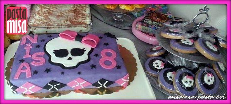 Monster High temalı Pasta Ve Kurabiyeler