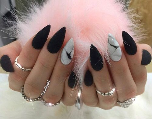 Imagem de nails, black, and pink