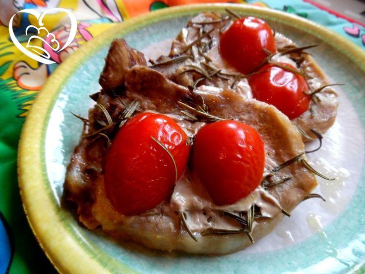 Braciole al forno http://www.cuocaperpassione.it/ricetta/252b1f4c-9f72-6375-b10c-ff0000780917/Braciole_al_forno