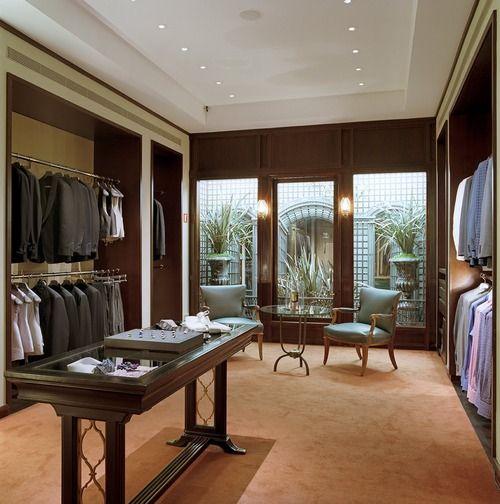 Men 39 S Dressing Room