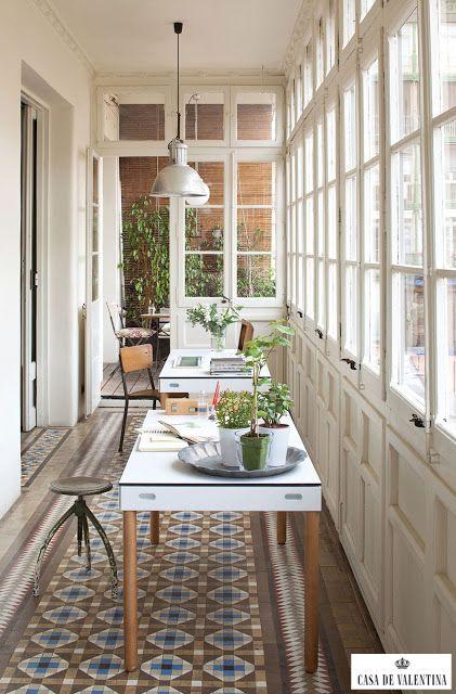 Via Casa de Valentina www.casadevalenti... #details #interior #design #home #office #escritorio #idea #ideia #varanda #marquise #casadevalentina