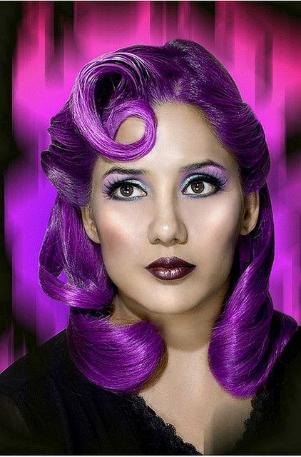Beautiful violet hair, nice eye shadow too