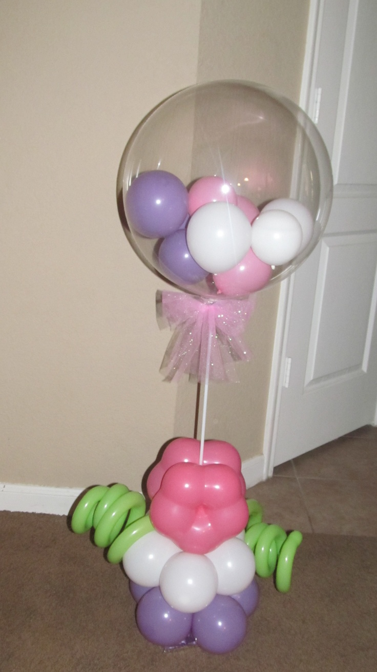 Balloon centerpiece to go with hello kitty theme