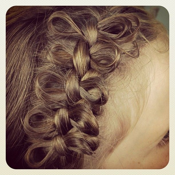 Side Bow Braid | Cute Braided Hairstyles! This website has all the cutest hairstyles!!!!
