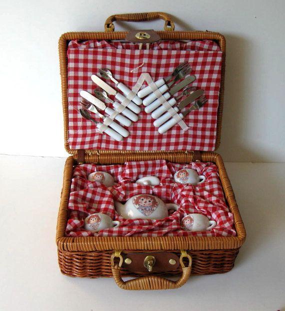 Toy Picnic Basket : Child s raggedy ann miniature tea set w picnic basket