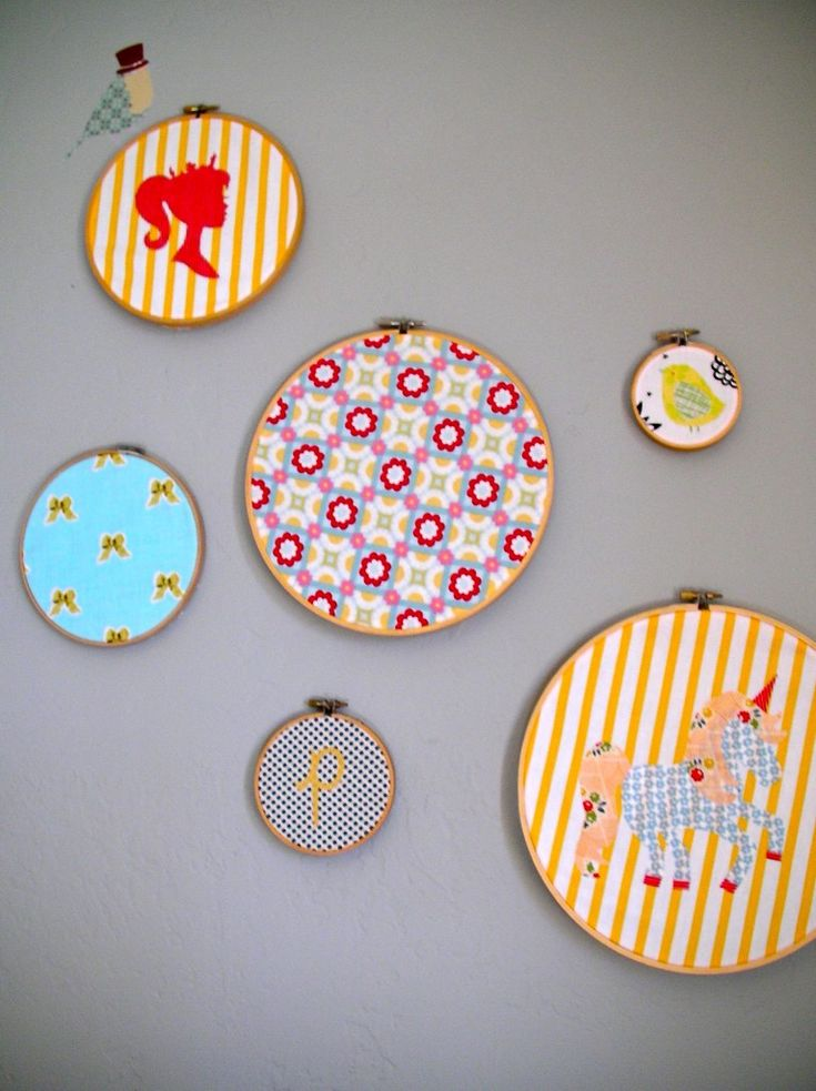 Embroidery Hoop Wall Hangings - bright colors and fun patterns make the most impact!Wall Hanging, Embroidery Hoop