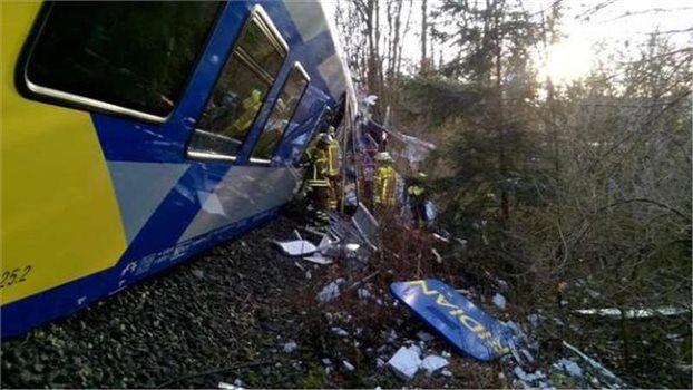 Σύγκρουση τρένων στη Βαυαρία- Στους 8 οι νεκροί