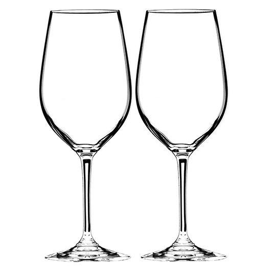 Riedels serie Vinum finns ett speciellt glas för varje druvsort. Cervera har dessutom glasgaranti- går glaset sönder, får man ett nytt! #brollopstorget