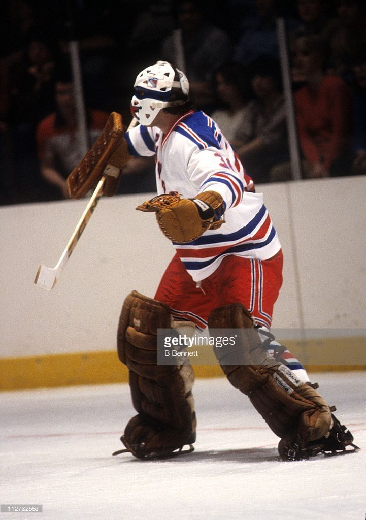 goalie-john-davidson-of-the-new-york-rangers-defends-the-net-during-picture-id112782563 (721×1024)