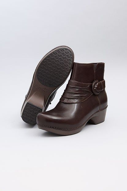 Podiatrist Recommended Top 25 Comfortable Women's Boots 2014 A Blog dedicated to: How to find good looking shoes that are go...