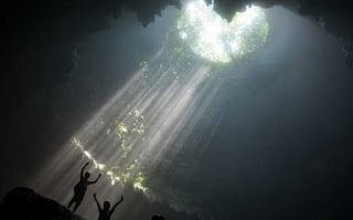 cahaya surga di goa jomblang