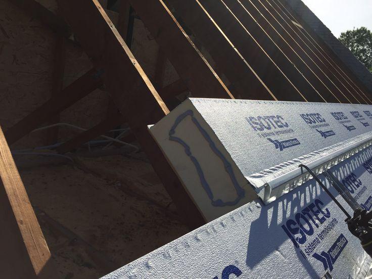Eerste werf Isotec XL 160mm met een Rd-waarde van 6,95m²K/W voor een optimale thermische isolatie van uw dak