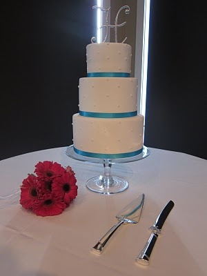 Simple wedding cake- The Frosted Cake Shop