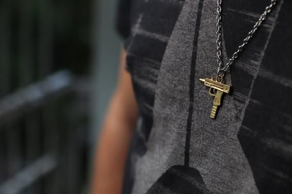 14K Gold Uzi Waffe Anhänger, Gold Waffe Stil, # Schmuck # Halsketten @EtsyMktgTool #e …   – Dapper Men's Style