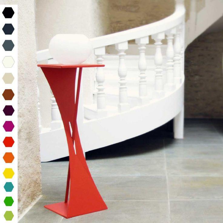 Sellette design origami Zoé en acier par Zhed. Mobilier 100% Français. Livraison en France et en Europe.  #déco #decoration #design #sellette #chevet #rouge