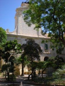 Dans une des cours intérieures de l'ancien palais des grands-maîtres de l'ordre de #Malte. #LaValette