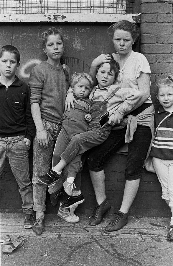 Traveller children in London Fields by Colin O'Brien