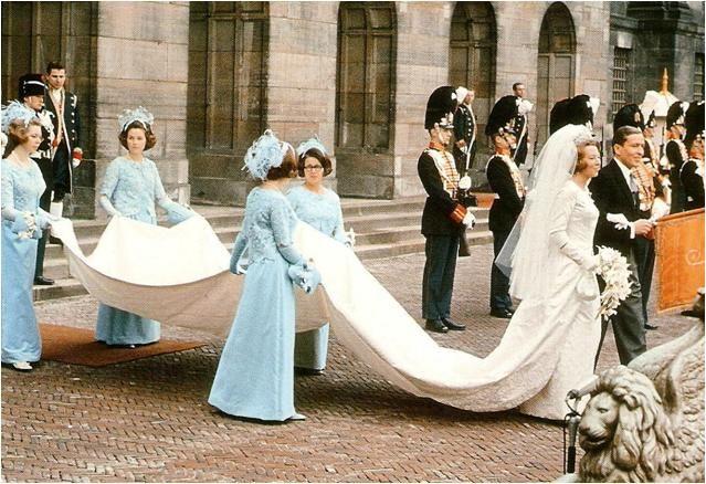 Chic Vintage 1960s Bride - Princess Beatrix