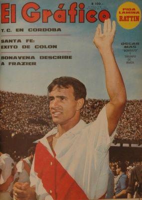 1968 Oscar Mas. Top Ten de goleadores de River Plate, definidor por excelencia, un depredador de area.