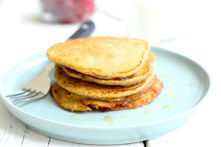 Je hebt maar 4 ingrediënten nodig voor deze lekkere pannenkoekjes! Lekker en gezond.