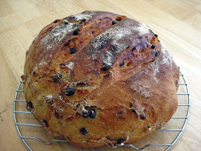 Cinnamon Currant Bread - Dutch Oven Style, from The Merlin Menu