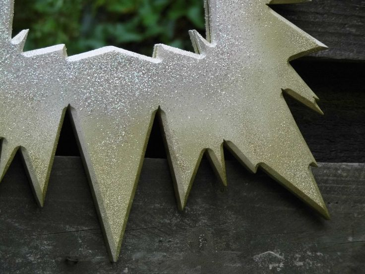 Glitter Frame, Bling - this is the basis of the Frozen Princess mirror frame. Its all Glitter and sparkle..! :)
