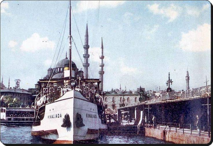 """""""Kınalıada"""" vapuru köprüde - 1958  (Fotoğraf : Galpay)"""