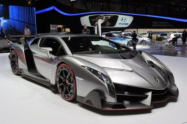 Take a closer look at Lamborghini's outrageous Veneno [w/video]