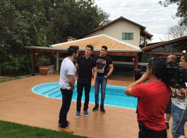 O ASSUNTO É!?: Rodrigo Faro almoça e grava programa com Henrique ...