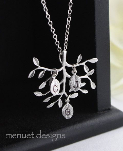 Personalized Family Tree Necklace. Silver Tree by MenuetDesigns, $28.50