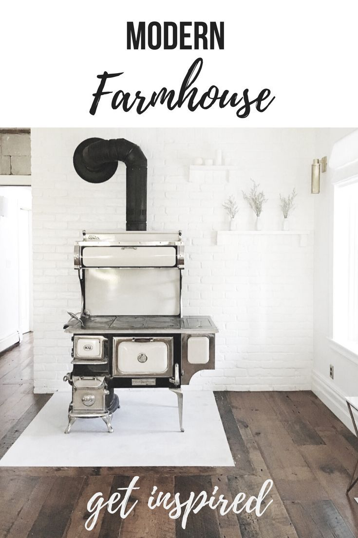 Love the modern farmhouse look? Obsessed with clean white decor? Look no further, Lynne Knowlton's kitchen reno is modern meets country farmhouse meets chic.