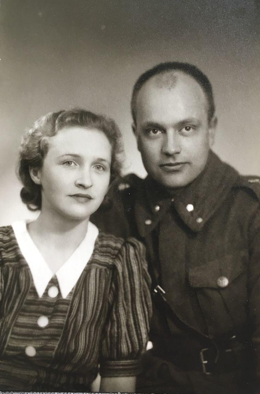 My grandma and grandpa, long time ago. How beautiful and handsome  Mummi ja Vaari, joskus kauan sitten. Niin kaunis ja komea