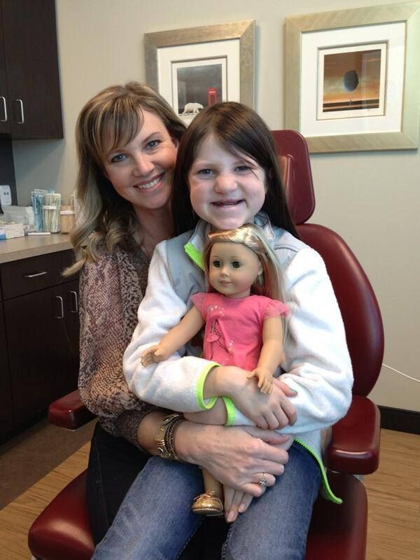 Hugging her new Isabelle doll, 'Duck Dynasty' cutie Mia Robertson preps for cleft surgery [pics]; Update: Progress report ==> http://twitchy.com/2014/01/03/duck-dynasty-cutie-mia-robertson-preps-for-cleft-surgery-pics/