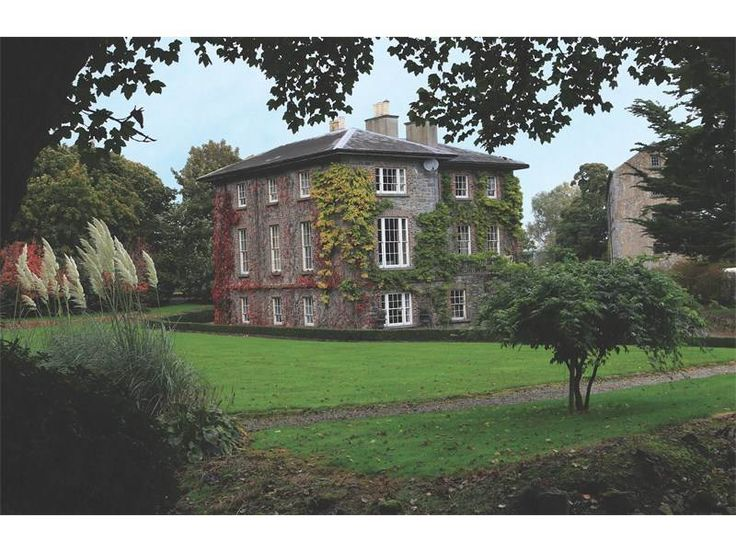 NEWTOWN HOUSE, DURROW, COUNTY LAOIS, IRELAND
