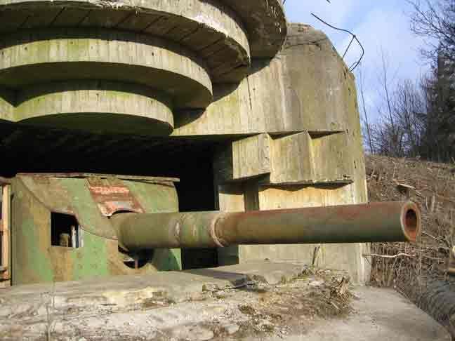 15cm guns in a German M162a bunker Frédérikshavn Denmark, pin by Paolo Marzioli