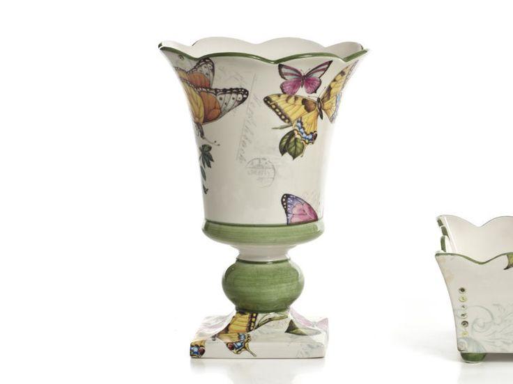 Original jarrón de cerámica con forma de copa ondulada Papillon.  De Cerámica San Marco.  http://www.aqdecoracion.es/jarron-de-ceramica-con-forma-de-copa-papillon-mariposas_2405.html   #jarronesdeceramica #jarronesdeporcelana #ceramicadecorativa #ceramics #decoracion #decoraciondelhogar #decor #homedecor #homedesign