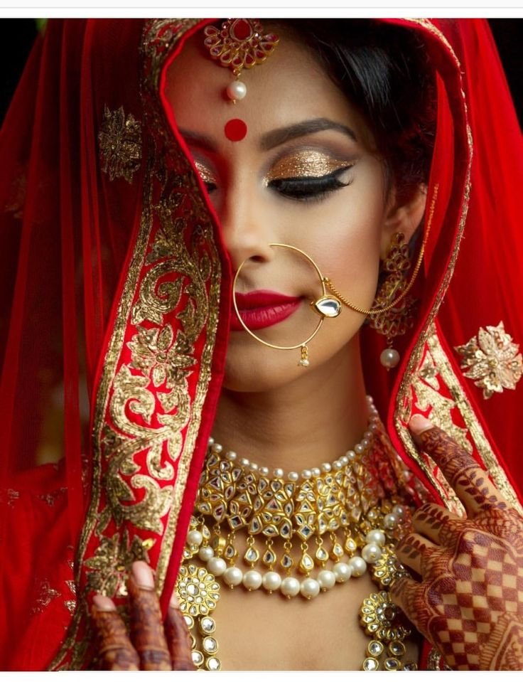 best traditional indian/bengali/pakistani bridal look in my opinion. model is the very beautiful dancer = @toor.manpreet